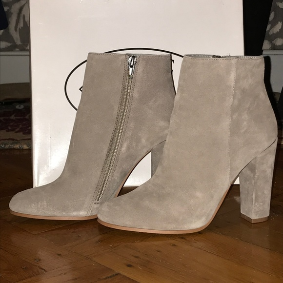 Steve Madden Glorious Taupe Suede